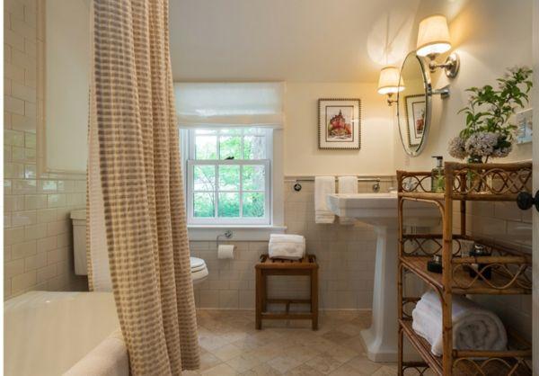 Badewanne, Badezimmer, Landhausstil, Ideen, Gardinen, Fenster, Gestalten,  Wohnen, Land Bäder