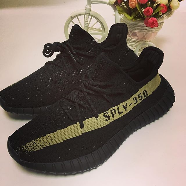 Yeezy boost 350 v2 black green !Do you like the colorway? Comment your thinking! #yeezyboost350v2 #yeezyboost350 #yeezyboost #yeezy350 #yeezyv2 #yeezyseason3 #yeezy #yeezy350v2 #adidas #adidasshoes #adidasoriginals