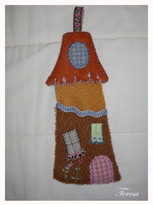 Guardatijeras fieltro casita.Miniaturas y labores de Teresa.