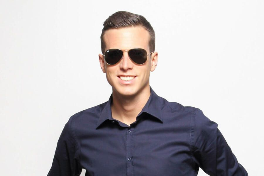 3fa9abeeed Aviators work well with casual or even business casual attire ...