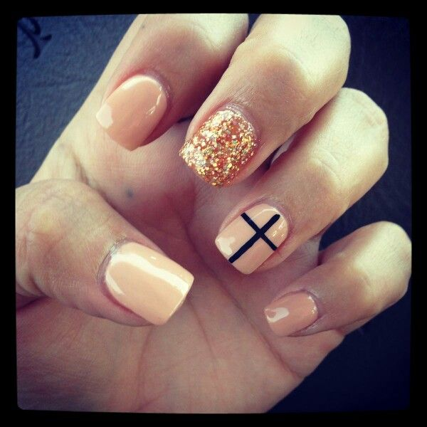 nails, cross, gold glitter, maybe with pink instead of nude - Pin By Misty Fairless On Nails Pinterest Light Peach, Gold