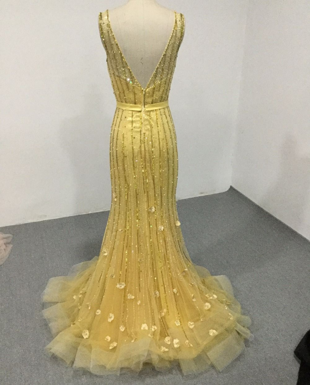 Cloverbridal best quality v neck and back trumpet yellow pearls tube