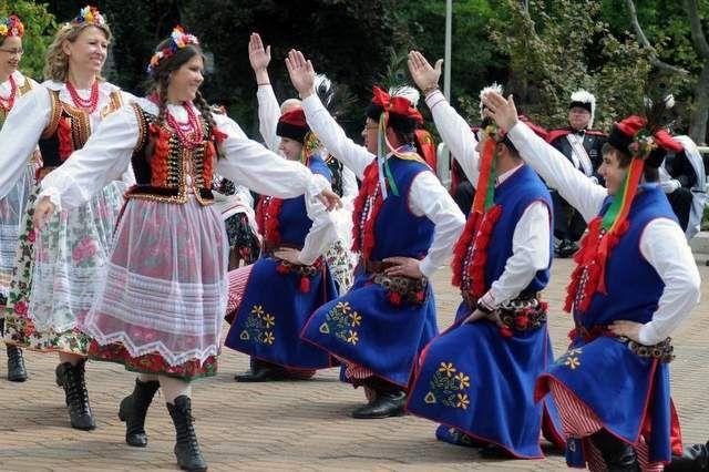 Krakowiak Poland | People Around The World/National Costumes | Pinterest | Poland