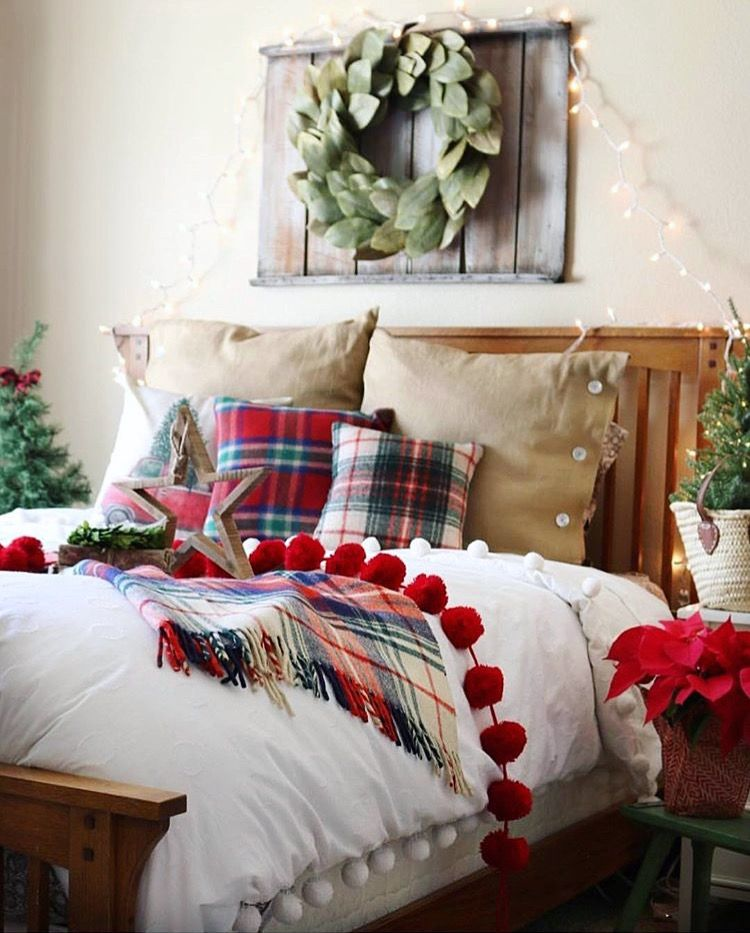 Lovely guest room inspo by The Design Twins 🌲 Christmas