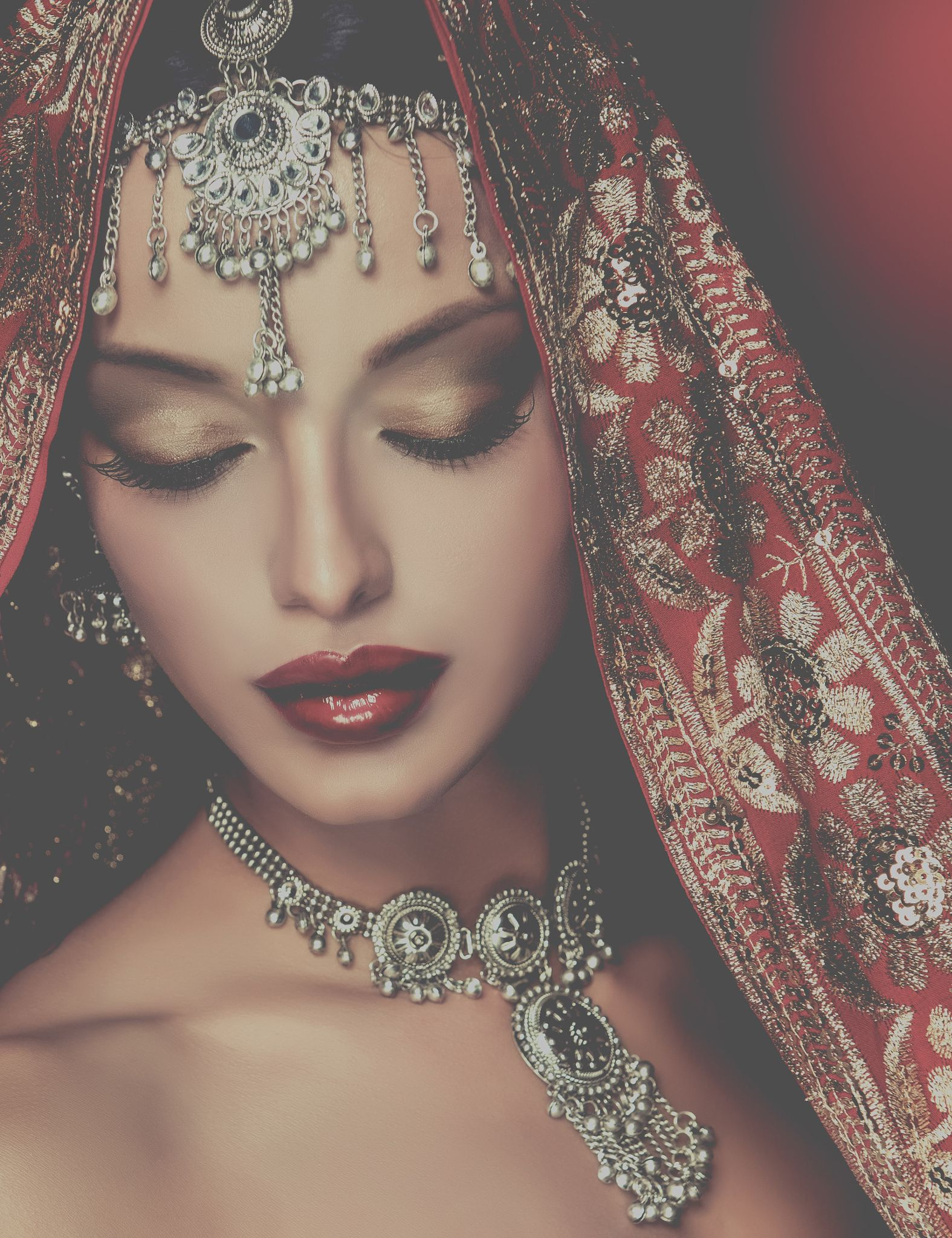 Beautiful Indian women portrait with jewelry elegant Indian gir