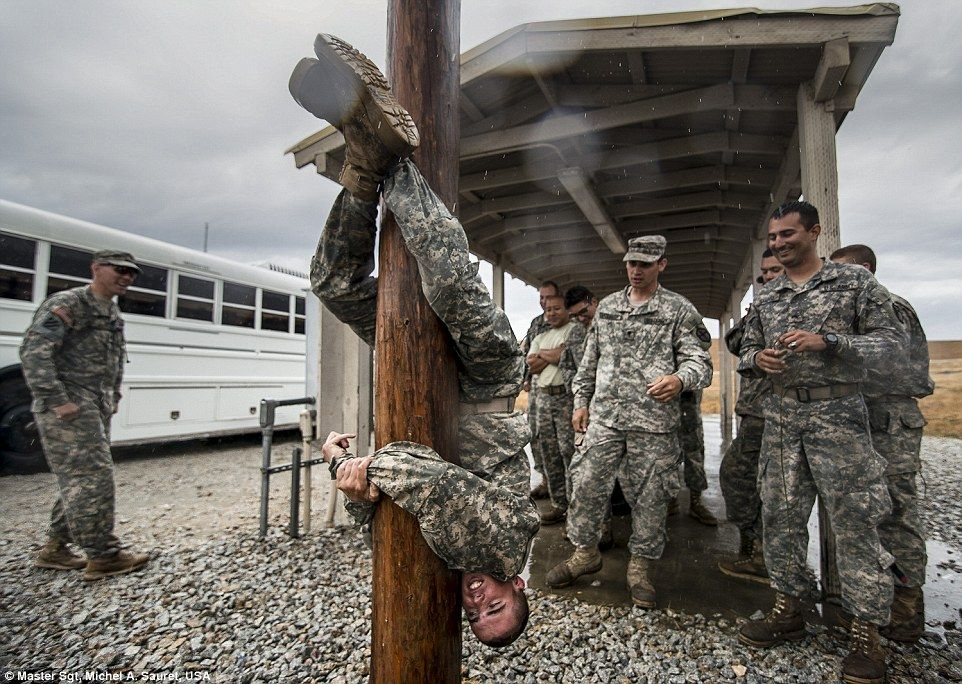 Incredible images of warfare in the US militaryu0027s best photos of 2015 - us army resume