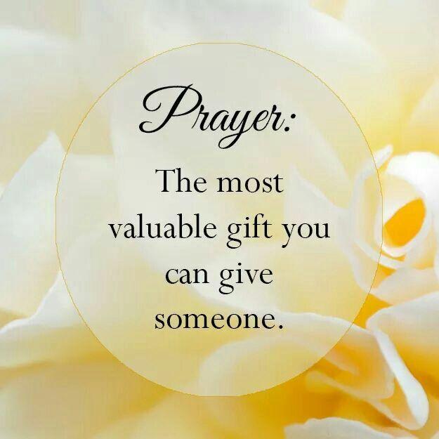 Efesios 1:16 no ceso de dar gracias por vosotros, haciendo memoria de vosotros en mis oraciones.♔