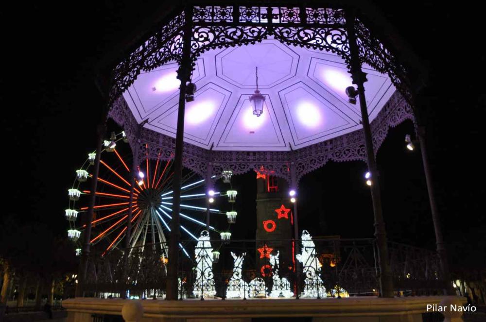 Alcalá Henares Encendió Este Viernes Su Iluminación Navideña Dream Alcalá Navideño Puerta De Madrid Iluminación