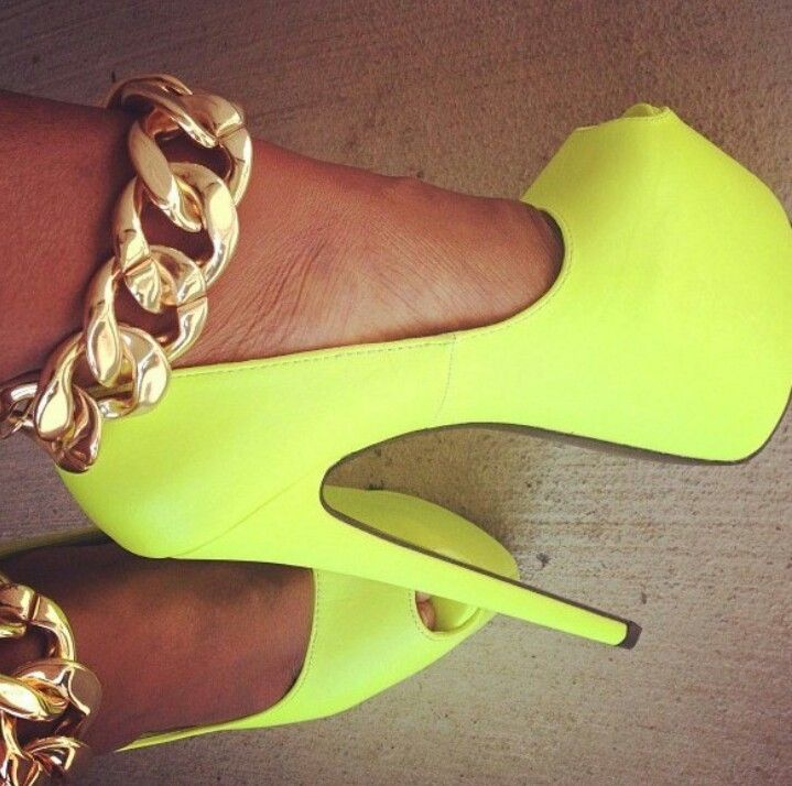 #yellow #neon #gold #chains #chunky