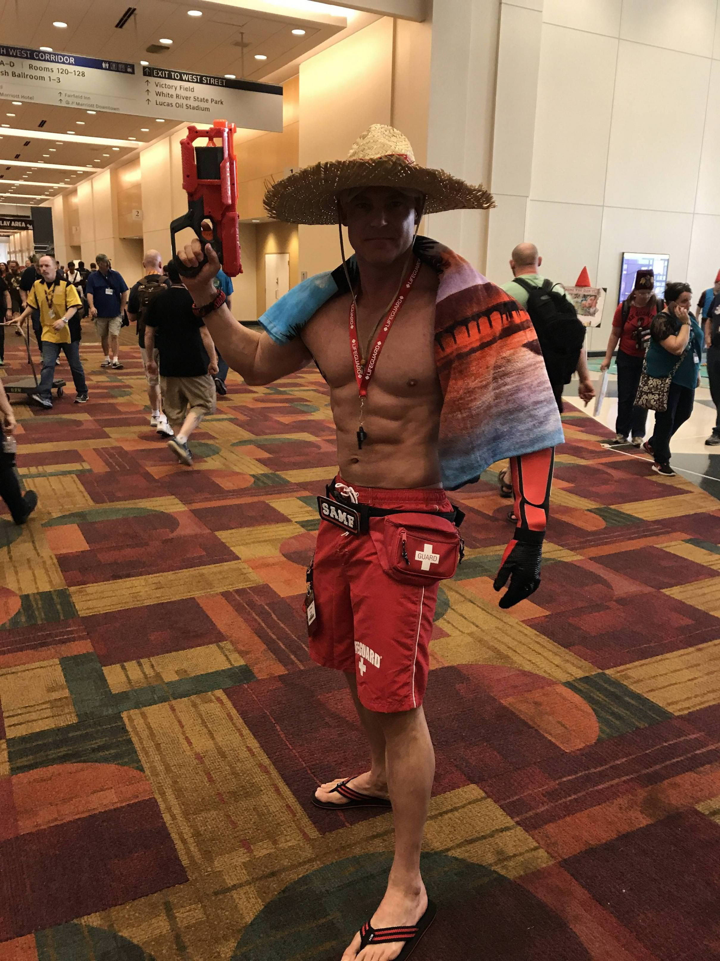 Even straighties can appreciate this male cosplay with