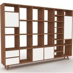 Photo of Holzregal Nussbaum – modernes Regal aus Holz: Schubladen in Weiß & Türen in Weiß – 233 x 168 x 35 cm