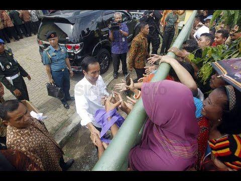 'Lucu''Resmikan Tol Brebes, Jokowi: Ibu Sy Kasih Amplop Karena Ibu & Ist...