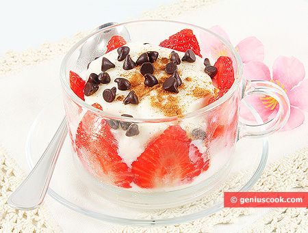 rice pudding with strawberry cinnamon and chocolate