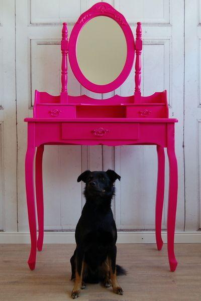 Süßer Schminktisch in beere pink von Windschief-Living via dawanda.com