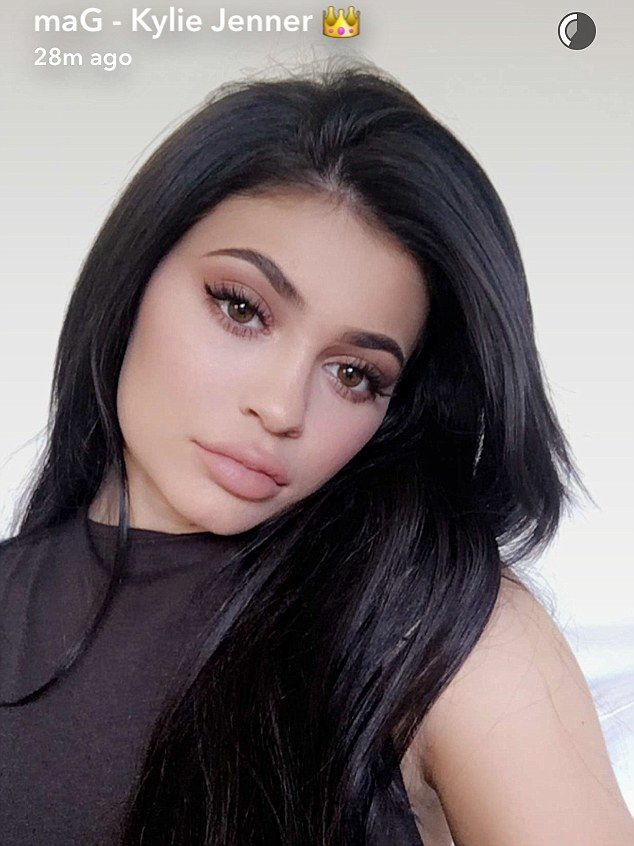 369345e5b4 Sultry snap  Kylie Jenner posed for numerous selfies on Thursday as she  hosted Thanksgiving for her family