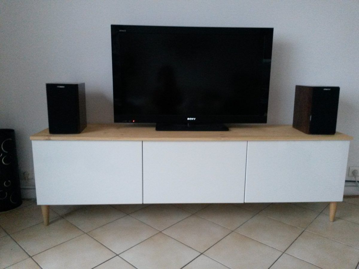meuble tv avec besta ikea meuble blanc plateau en bois et meuble tv. Black Bedroom Furniture Sets. Home Design Ideas