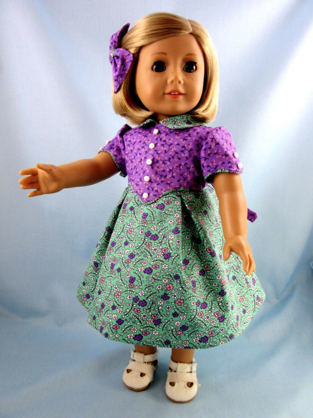 Historic Doll Clothes - 1930s Frock fits American Girl Dolls - 18 Inch Doll Clothes -Flour Sack Doll Dress - Kit or Ruthie - Feed Bag Dress #historicaldollclothes