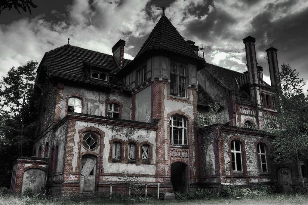 Haunted house haunted houses abandoned and scary for Classic haunted house movies