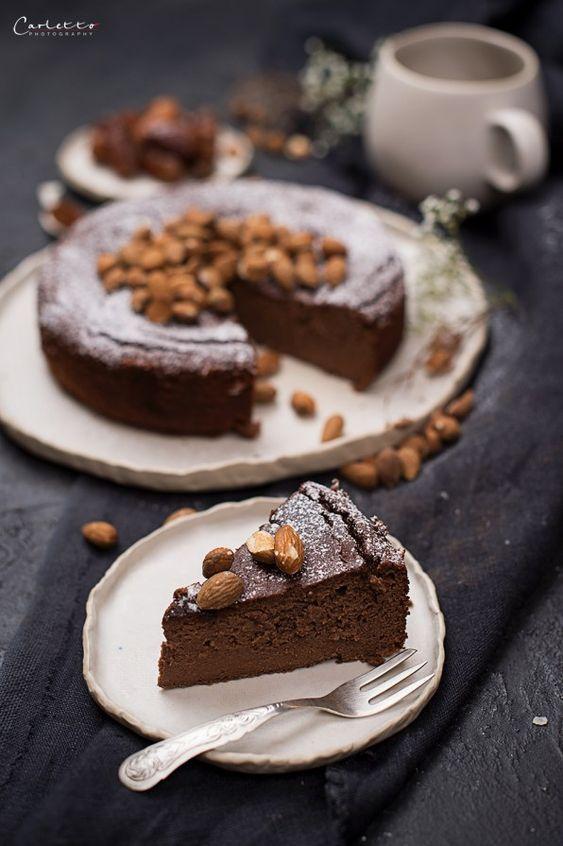 REZEPT: Dattel Schoko Bananenkuchen - zuckerfreier Kuchengenuss