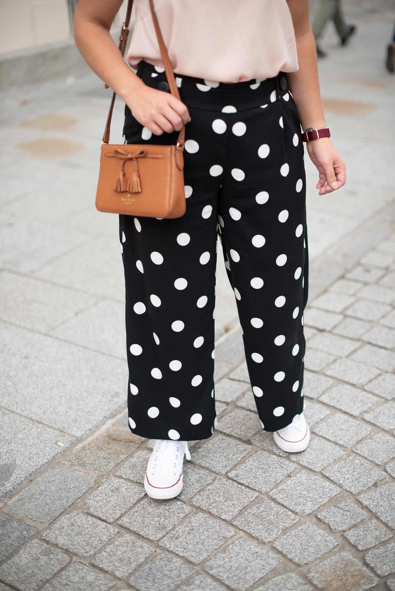 pantalon femme beige à pois noirs