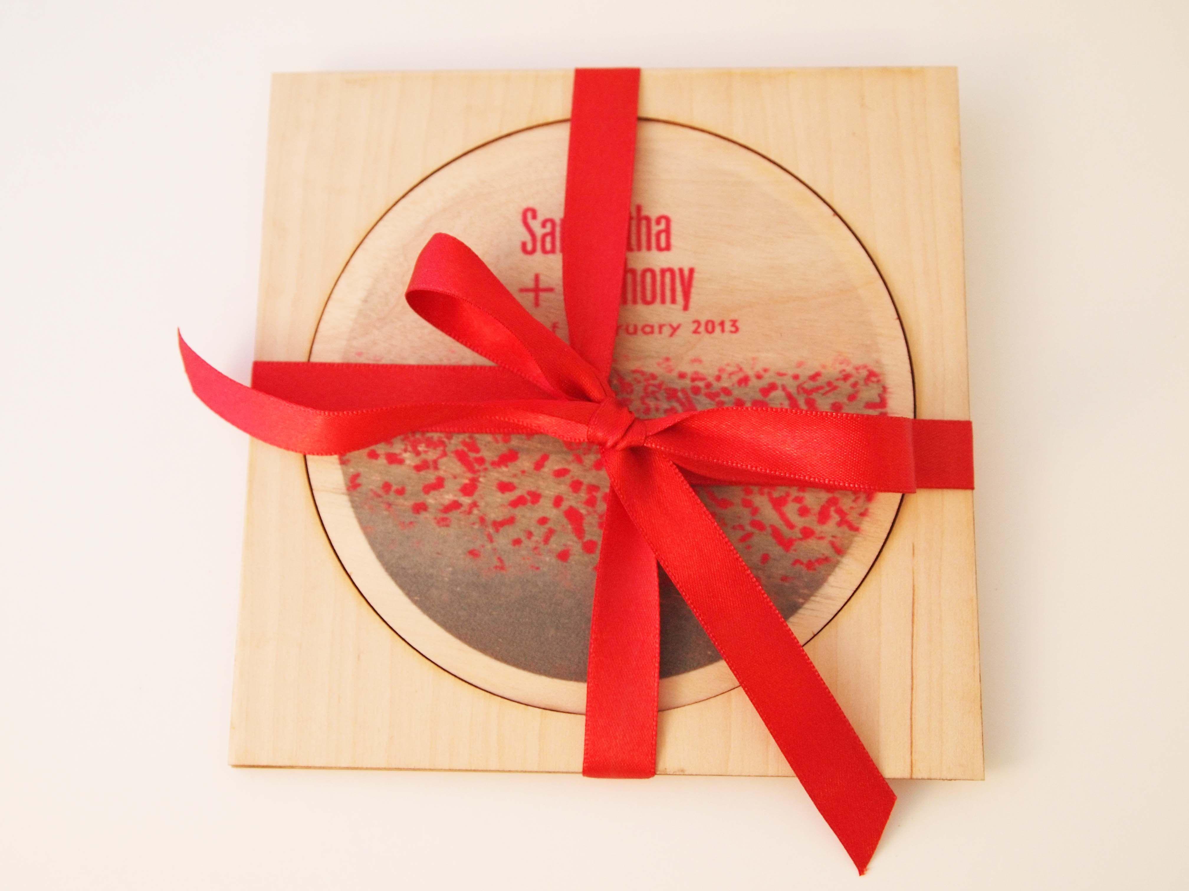 Red poppies- Digital printing on wood creates a romantic invitation ...