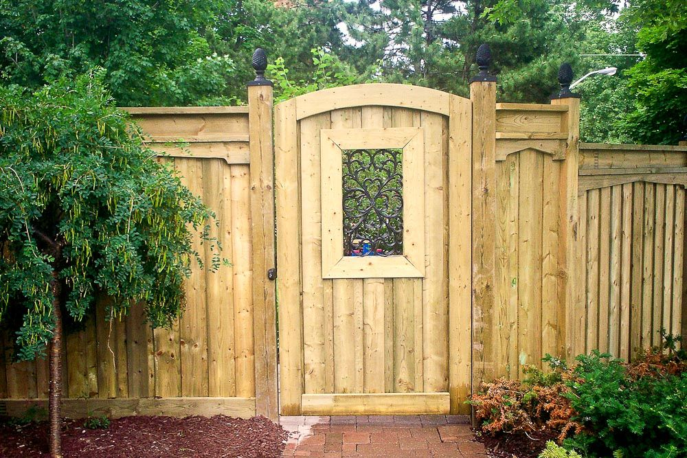 Best Wood Fence Gates Design For Rustic Home