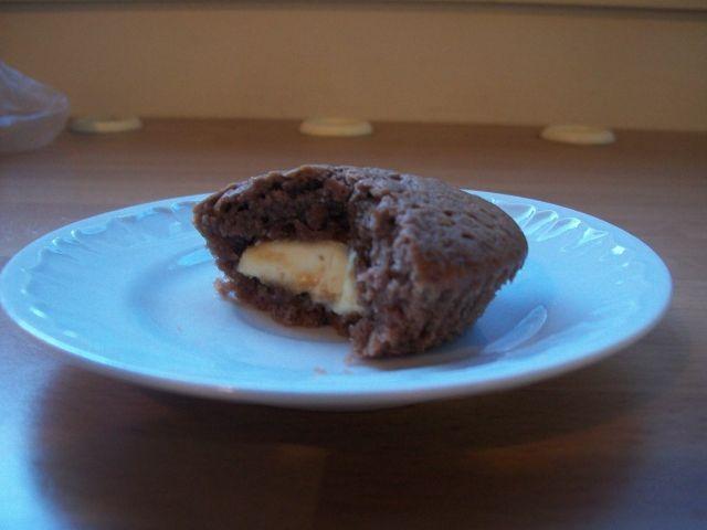 Muffinit valkosuklaa sydämellä