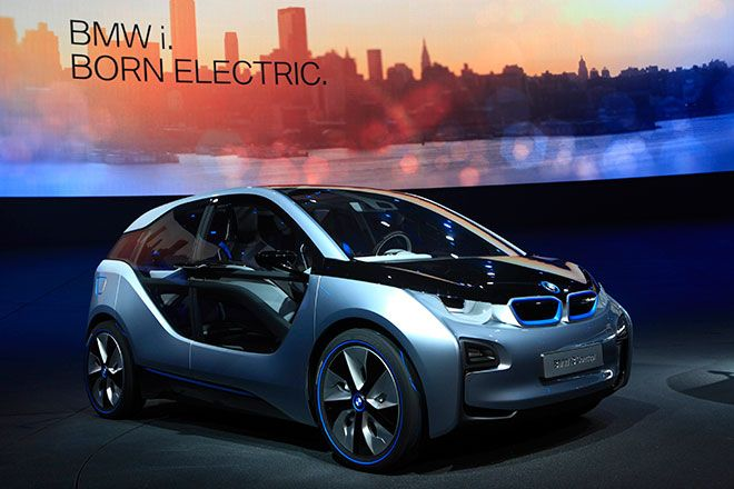 Bmw Teases Us With Two Electric Concepts Bmw I3 Bmw Bmw Wallpapers