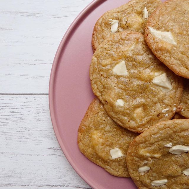 Treat that special someone in your life whether its a boyfriend girlfriend best mate momma or just yourself to these amazing cookies this Valentines Day  Dairy free white chocolate caramel cookies are now on the blog you wont want to miss them!