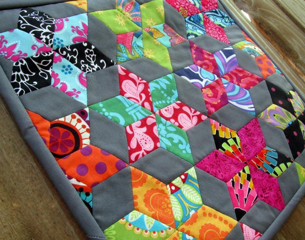 English paper piecing, individually hand sewn diamonds turned into ... : quilting with paper - Adamdwight.com