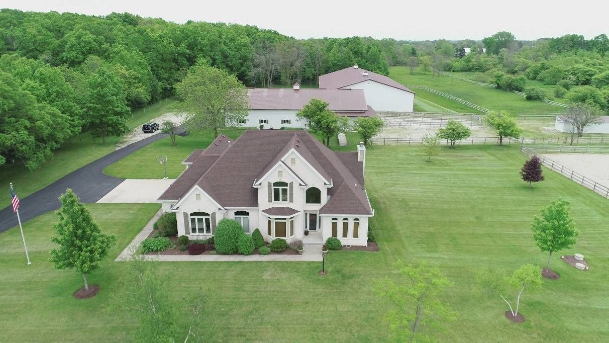Equestrian Estate For Sale In Racine County Wisconsin This Distinguished Equine Property Is Nestled In The F Beautiful Horse Barns Property Equestrian Estate