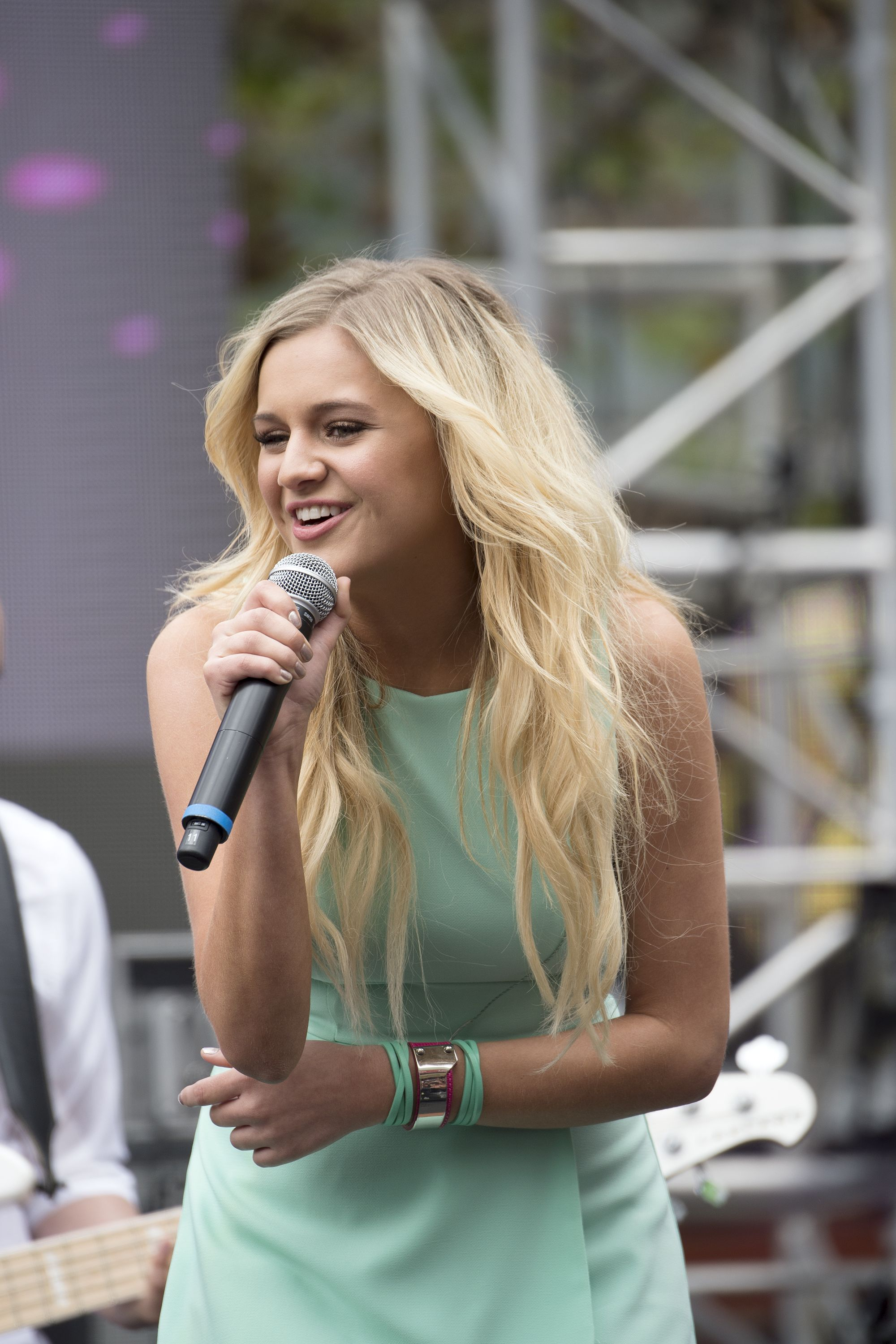 Superb Pin By Stormin Country On Kelsea Ballerini Pinterest Hairstyle Inspiration Daily Dogsangcom