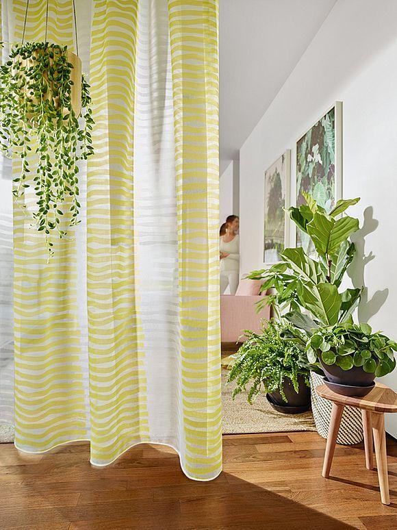 neue stoffe und einrichtungs trends blickdichte schlafzimmer vorh nge dekorative wohnzimmer. Black Bedroom Furniture Sets. Home Design Ideas