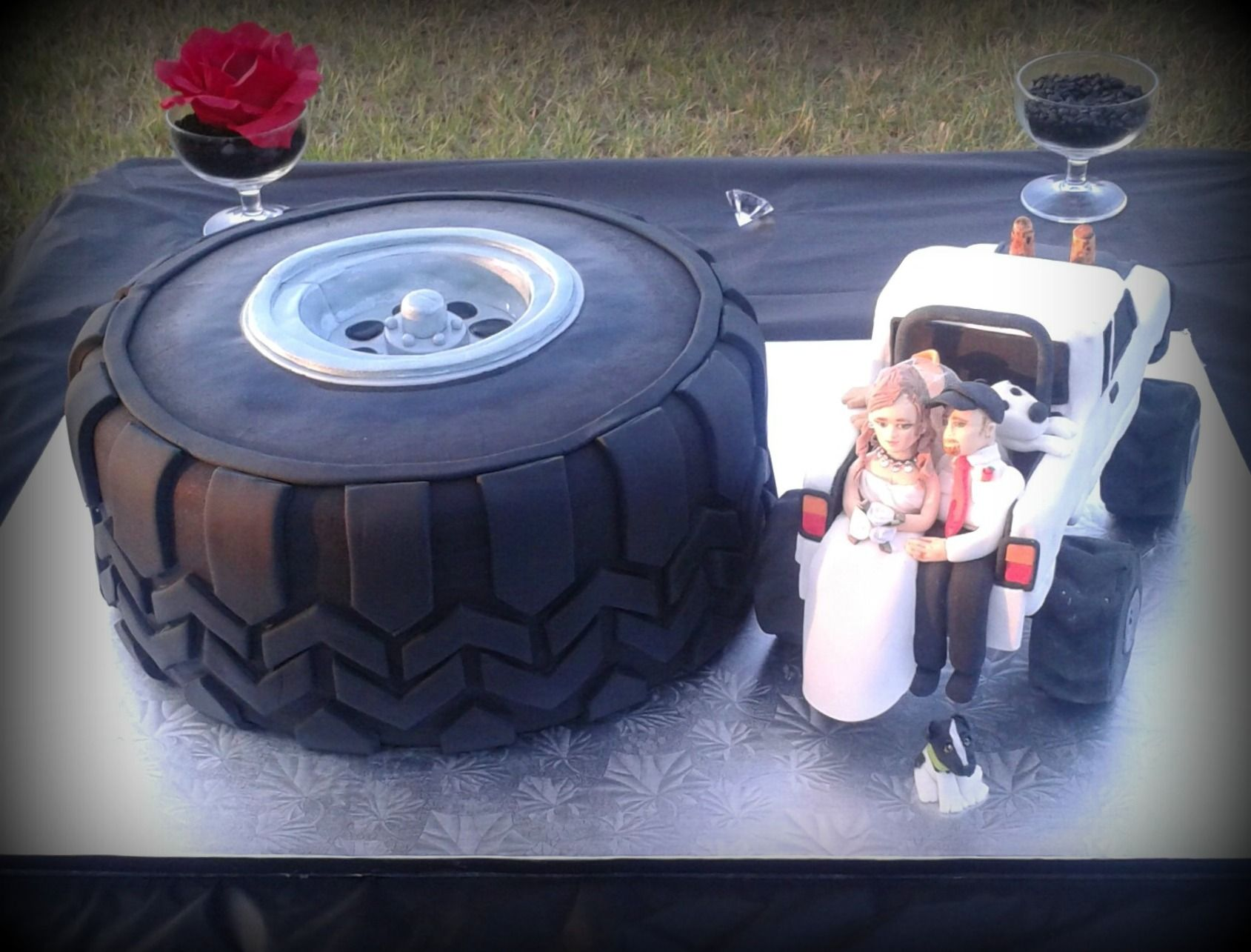 mudding tire wedding rings mud tire wedding ring Mudding tire wedding rings Mud Tire Double 12 Chocolate Cake With Cookies Cream