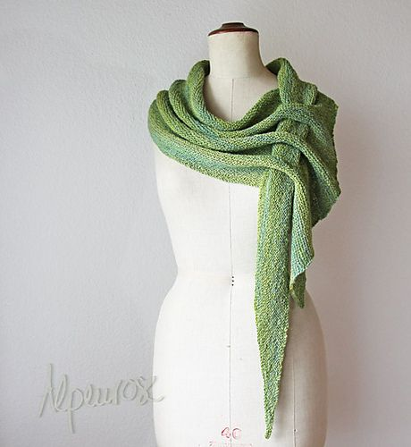 Self-Fastening Scarves and Shawls Knitting Patterns   Alpenrose ...