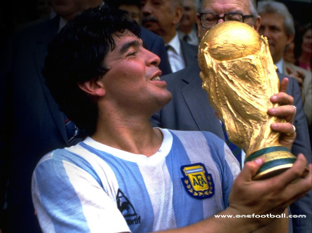 Diego A Legend Check Out My Blog At Www Asportsblog Com Diego Maradona World Football Soccer Players