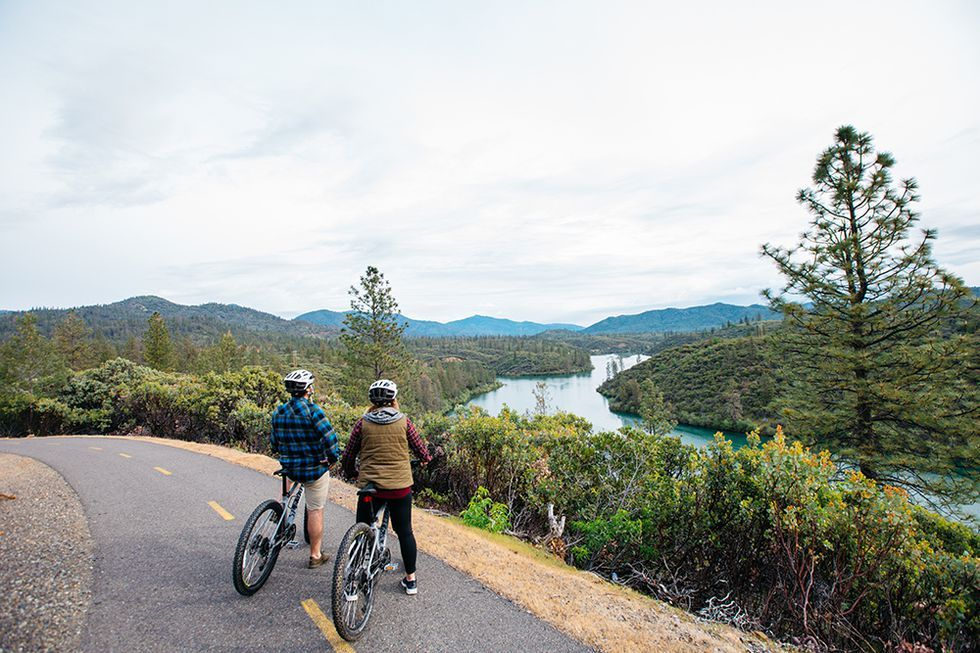 20 Great Bike Routes That Are Begging For A Fall Road Trip Bicycle Travel Bike Route Fall Road Trip
