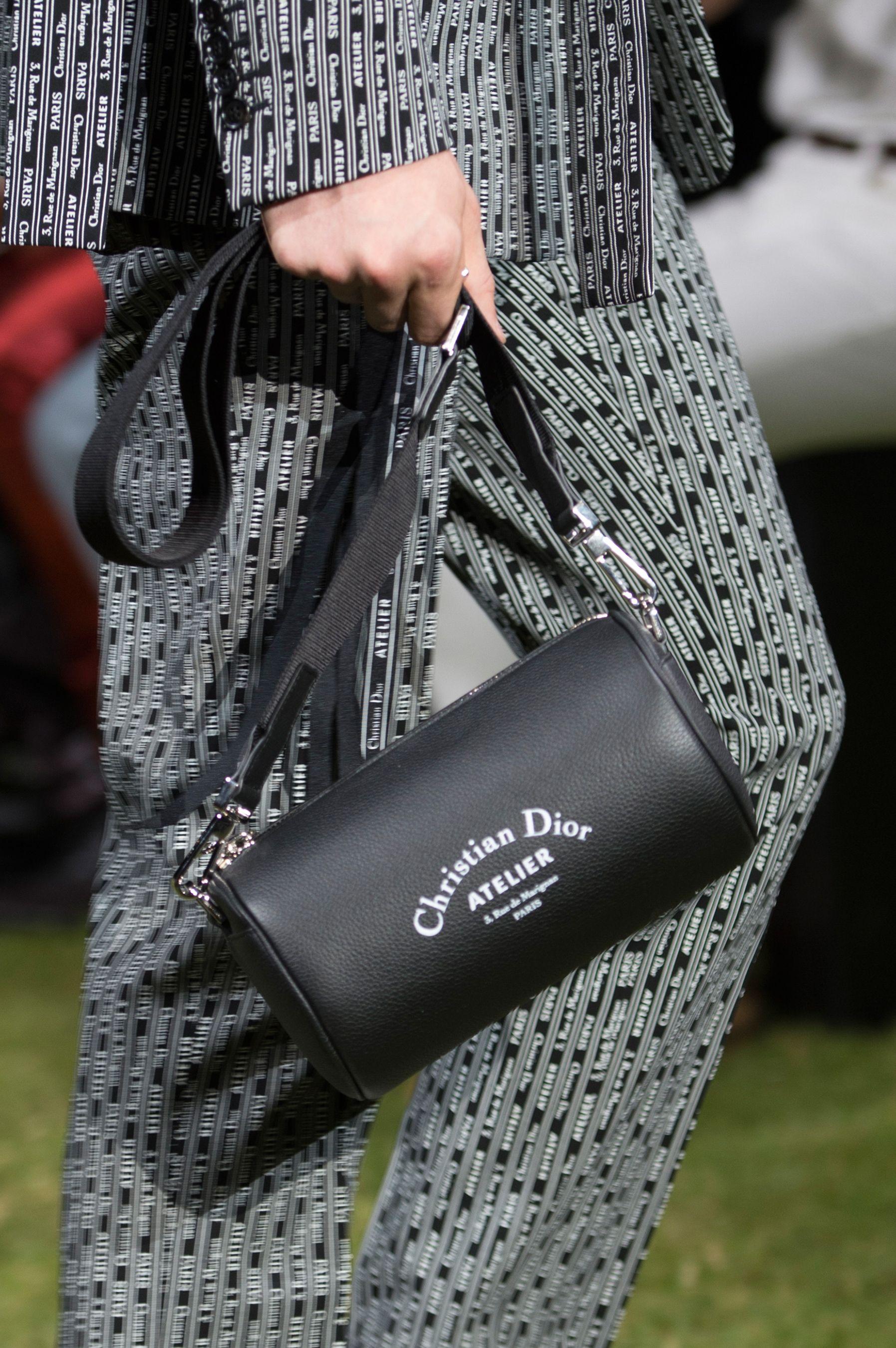Dior Homme Spring 2018 Men s Fashion Show Details  79d050dc7d81c