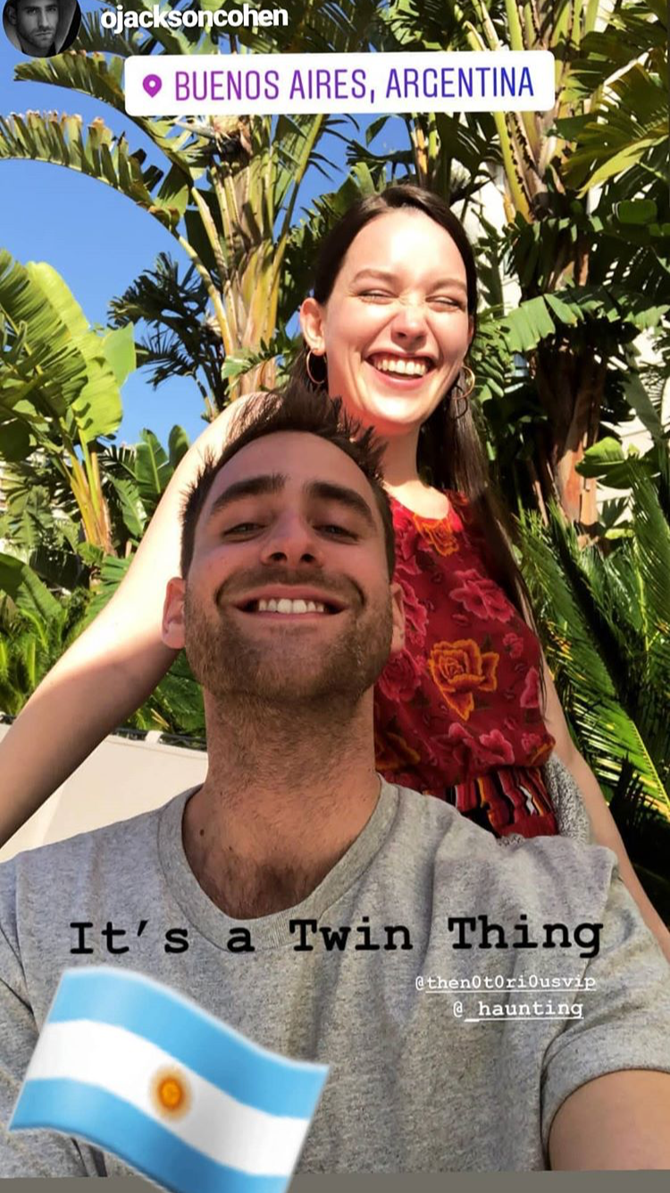 It S Luke And Nell Thing Twins Haunting Of Hill House Oliver Jackson Cohen House On A Hill House On Haunted Hill