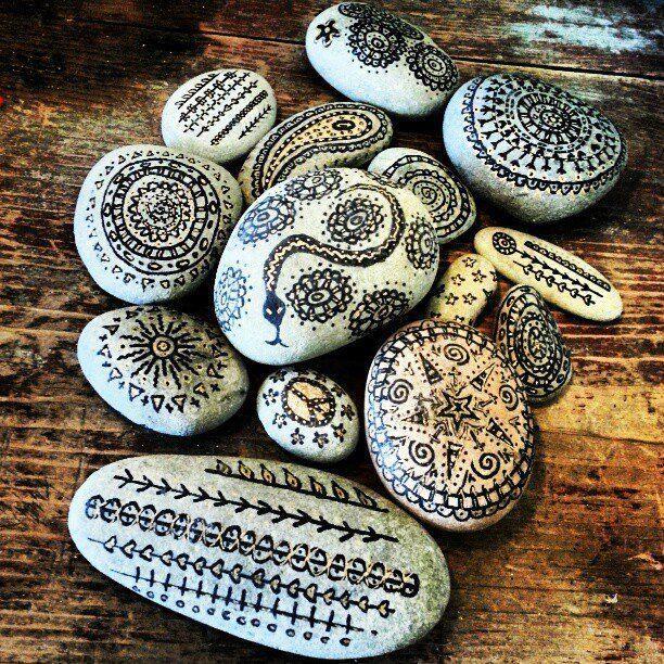steine bemalen bing bilder driftwood stones seaglass shell steine bemalen steine und. Black Bedroom Furniture Sets. Home Design Ideas