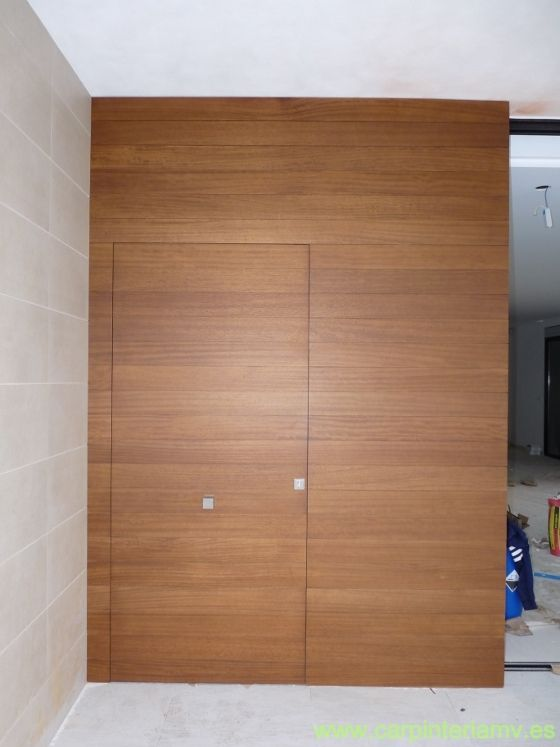 Puerta de entrada panelada #carpinteria #door #furniture    www