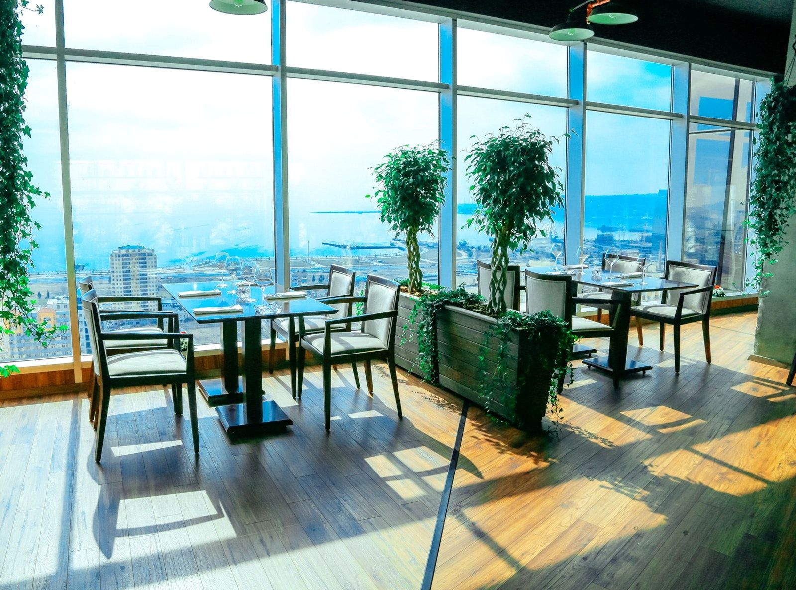 Restaurants In Baku With The Best City View City View Best Cities Baku Restaurant