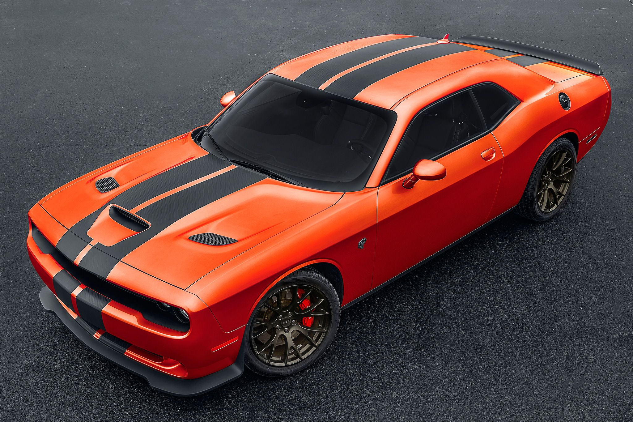 2017 Dodge Challenger Srt Hellcat Front Three Quarter 03