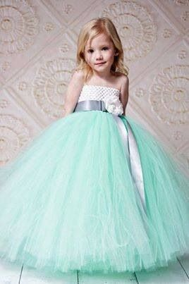 86bec1b70e9 J girl in sea green dress...
