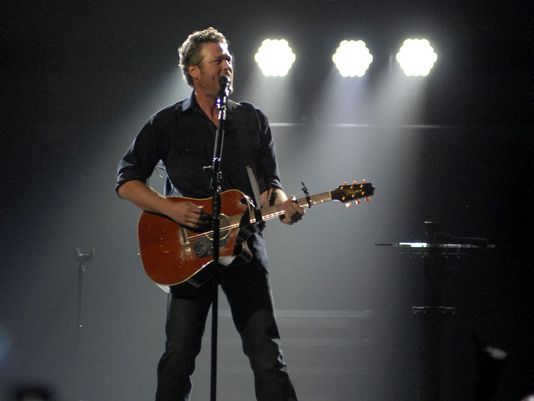 Blake Shelton delivers solid show at Yum! Center #BlakeShelton...: Blake Shelton delivers solid show at Yum! Center… #BlakeShelton
