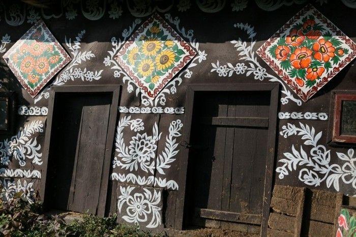 Hausfassade Gestalten Zalipie Blumen Florale Muster