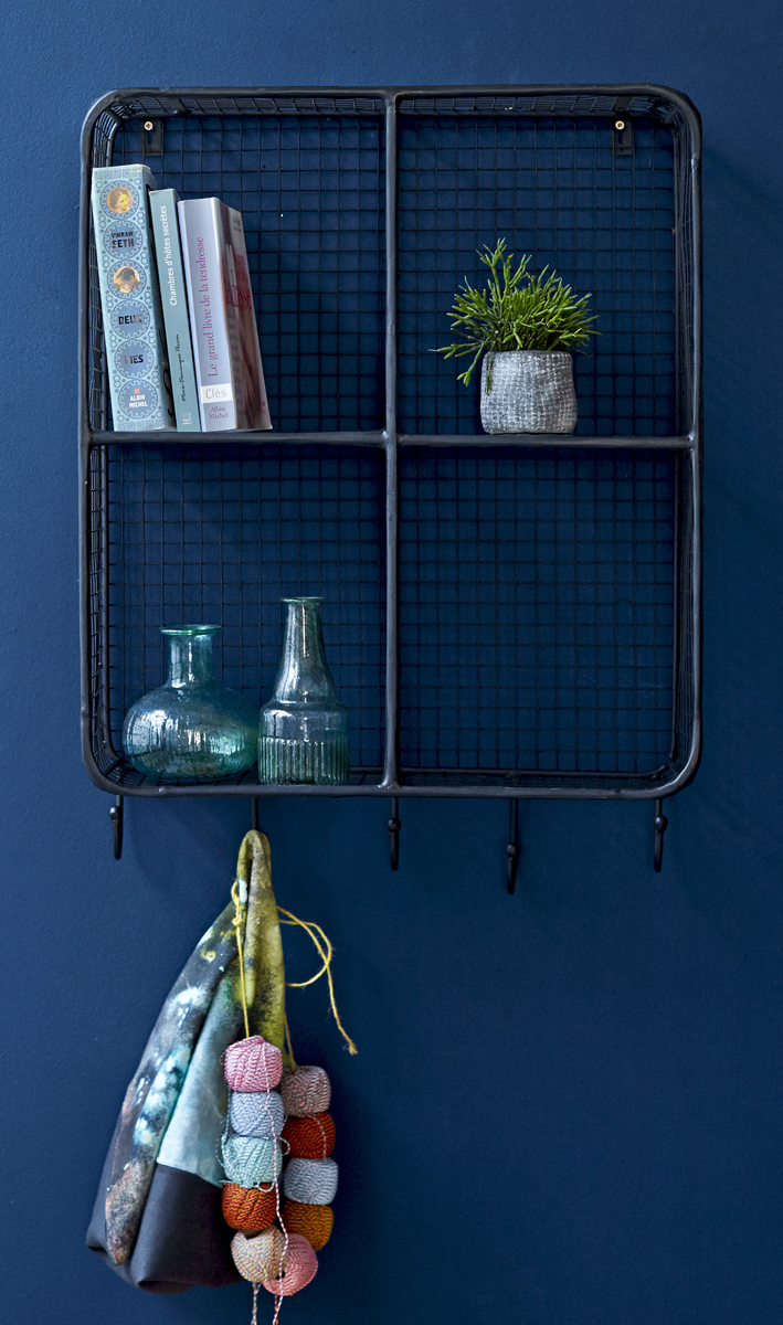 dekoregal stella deko regale vitrinen pinterest schwarzes metall metall und schwarzer. Black Bedroom Furniture Sets. Home Design Ideas