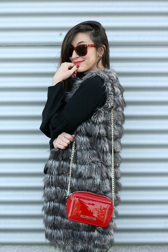 fur vest, valentino bag, red bag, fashion, ootd, outfit, look, blog, blogger