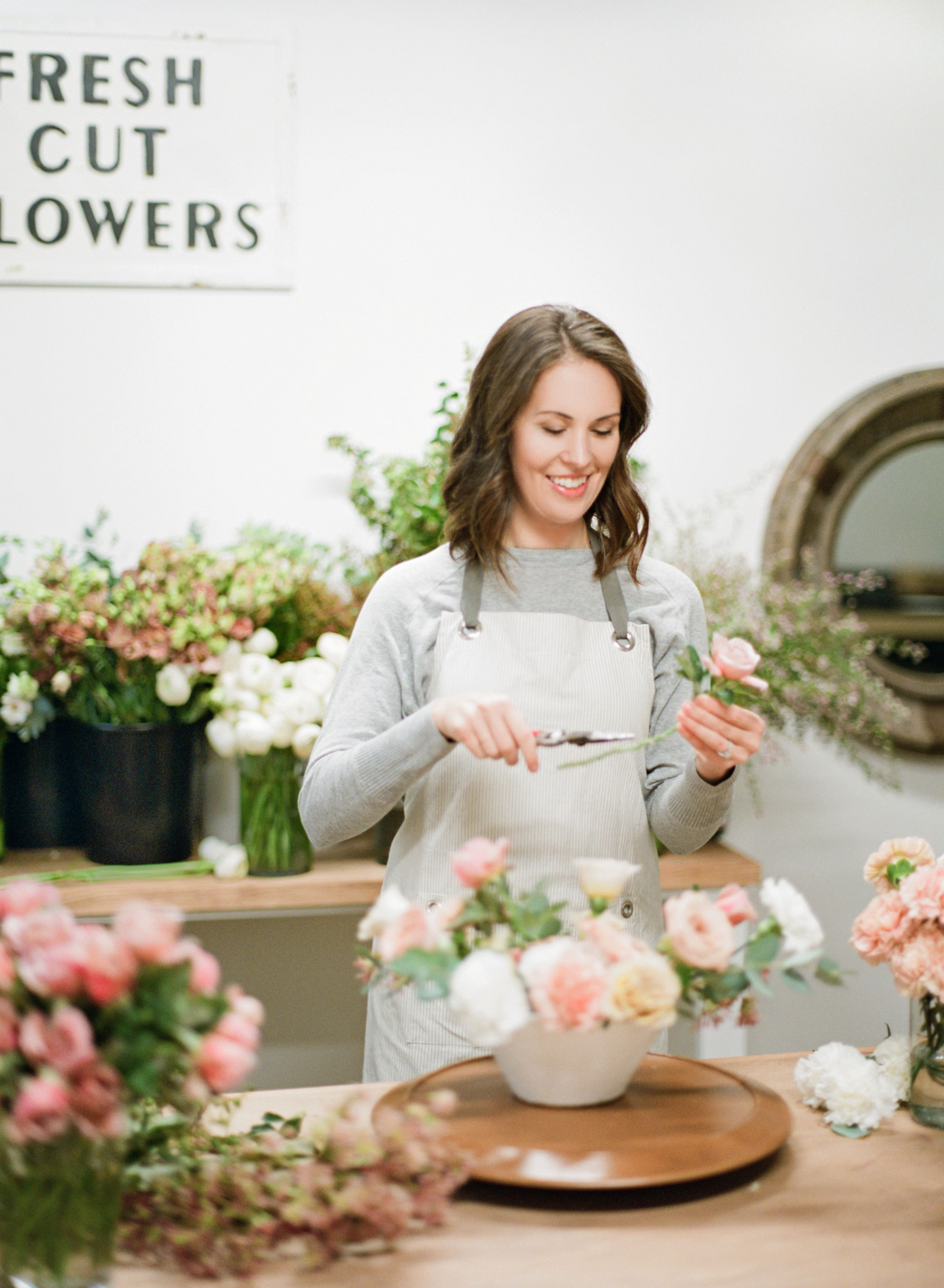 Branding Bio Session A Florist Petal And Posy By Tetiana Photography Florist Brand Brand Photography Inspiration Flower Shop Design