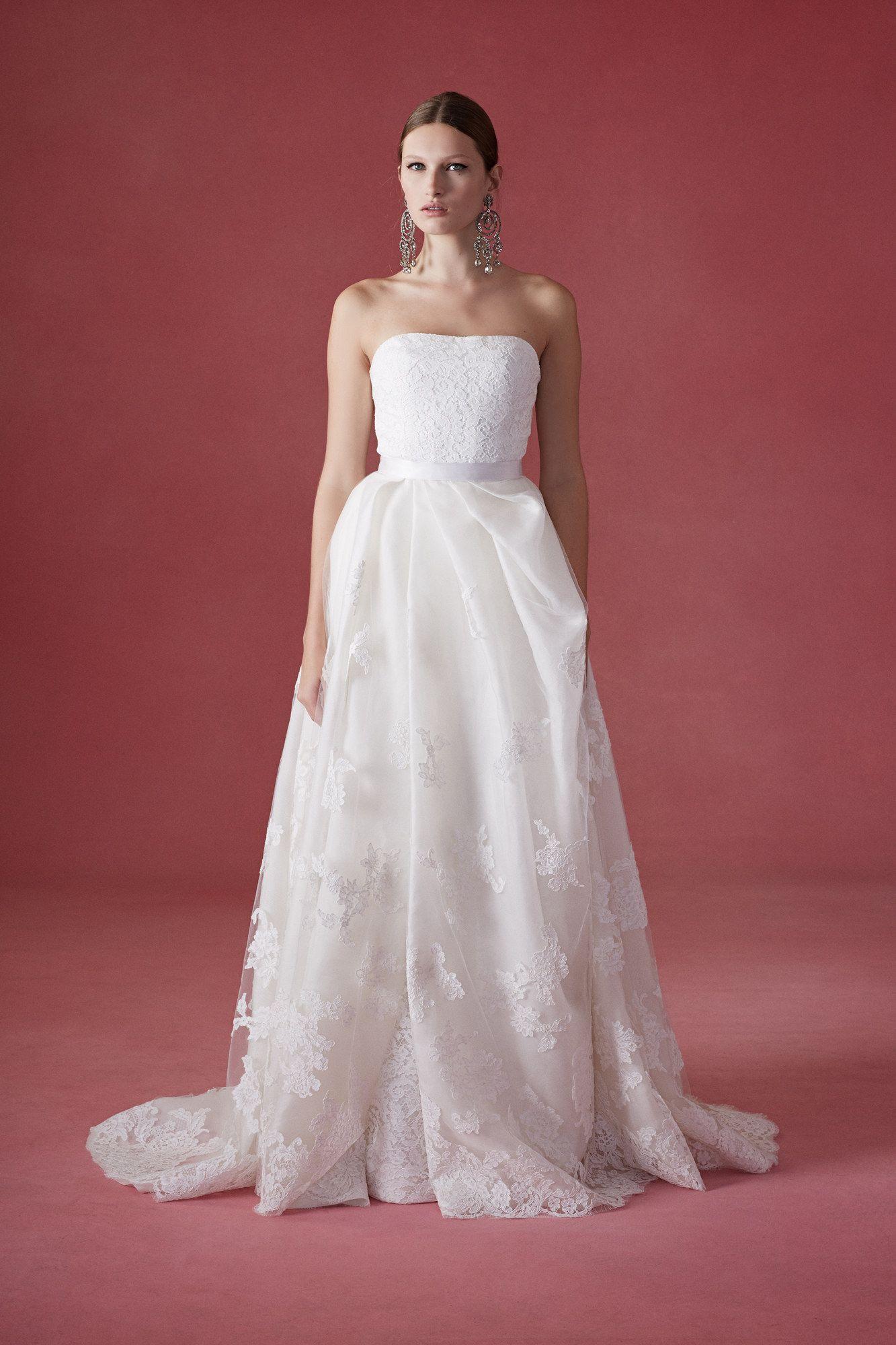 Fashion dress for wedding party  Oscar de la Renta Bridal Fall  Fashion Show